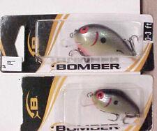 2 BOMBER SHALLOW DIVING CRANKBAITS   -FREE INS B19
