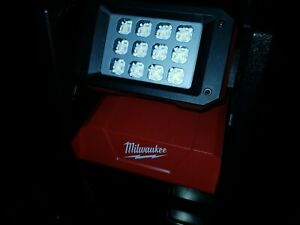 Milwaukee M18 ROVER LED AC/DC Flood Light (Used only once)