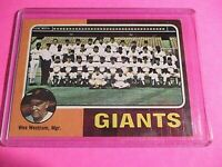 1975 Topps #216 San Francisco Giants Team card, Wes Westrum ExMt (no creases)