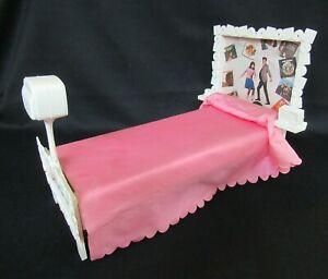AUCTION Vintage Barbie FRANCIE - SUSY GOOSE > Mod A Go Go Bed & TV - RARE