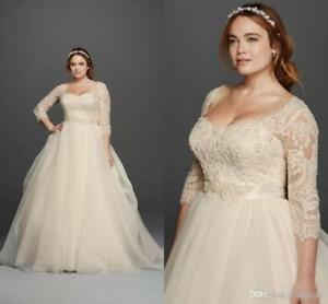 Lace Plus Size Wedding Dresses Scoop Neck 3/4 Long Sleeves Covered Buttons