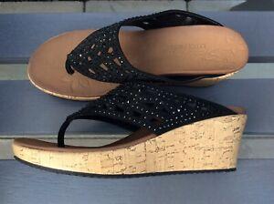 Skechers Luxe Foam Black Cork Wedge Toe Post Size 5 NEW