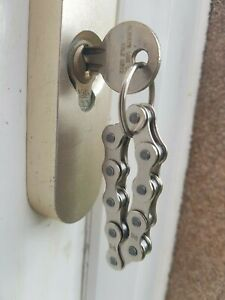 HANDMADE Bicycle Bike Chain Key Ring - Gifts FOR CYCLISTS - FIDGET Birthday