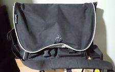 "Pakuma Choroka K1 15"" to 17"" Laptop Messenger Bag - grey & black"