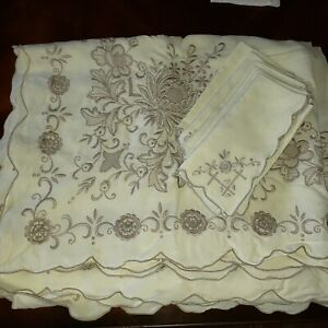 Vintage Beautiful Ivory Heavily Embroidered Table Cloth and 6 Napkins