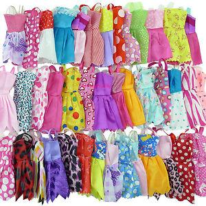 Zufällige 12 Ärmelloses Minikleid Dame + 6 Halskette Kleidung Für Barbie Puppe