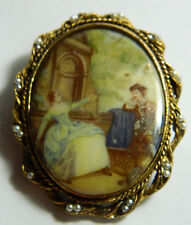 And Medallon Old Times Couples Vtg Large Cameo Gold Tone Brooch