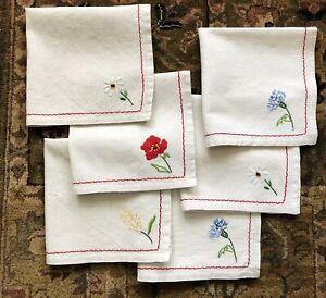 4 Cloth Napkins Blue Floral Ribbons Cotton 18x17.5 inch Great Vintage Condition Farmhouse Cottage Chic Set Four Dinner Table Linens Flowers