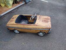 """Tretauto Moskvitch pedal car, gelb """"oldtimer""""  Restauration objekt, Garage fund"""