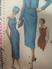 Vgt 50s Simplicity 1768 SLEEVELESS SHEATH DRESS SQUARE NECK Sewing Pattern Women