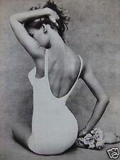 PHOTO DE MAGAZINE 1965 FEMME EN COMBINAISON PANTY