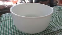 Vintage Milk Glass Sunbeam Mixmaster Large Mixing Bowl,Tab handles