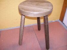 Markenlose Möbel im Landhaus-Stil aus Massivholz