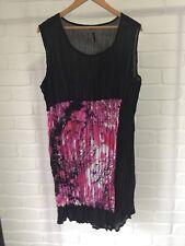 TS Taking Shape Long Sleeveless Crinkle Top Black Pink Pattern  Plus Size 18