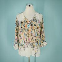Alice Blue Stitch Fix Size Medium M Top Zinnia V Neck Floral Print 3/4 Sleeves