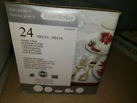 Poinsettia by Totally Today Dinnerware set