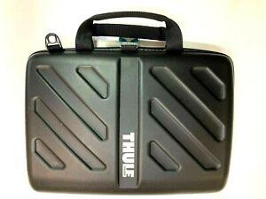 Thule 13 inch Laptop Bag for MacBook - Black