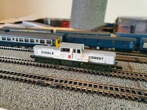 """EFE Rail N Gauge Class 17 """"Ribble Cement"""" in Ribble Cement White (DCC Ready)"""