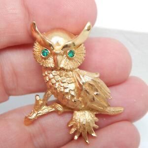 DESIGNER MONET GOLD PLATED GREEN RHINESTONE OWL/BIRD ON A TREE BRANCH PIN BROOCH