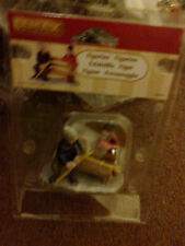 LEMAX BOYS SKIING ON PARKBENCH APPROX 7CM TALL 42230 NEW BOXED