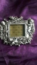 LOVELY SILVER METAL CHERUB FLORAL PHOTO FRAME FREE STANDING OR WALL HANGING
