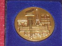 [Coll.J. DOMARD SPORTS] MEDAILLE  VILLE DE PARIS Torche Olympique Tour Eiffel