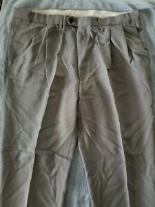 MARKS & SPENCER (UK) Dress Pants, Color white and black, pleated, Size 40X3i in