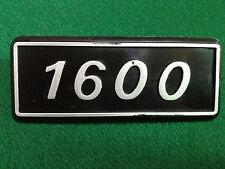 FIAT 1600 BADGE SCRITTA EMBLEM NOS