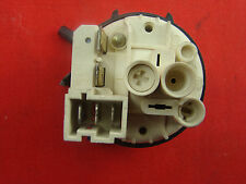 Druckschalter 124535551 für  AEG Privileg Waschmaschine 219.96  #KP-1315