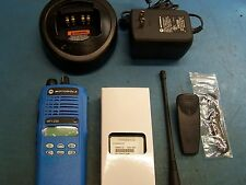 Motorola HT1250 UHF 450-512MHz 128 Channel AAH25SDF9AA5AN Blue Mint TESTED