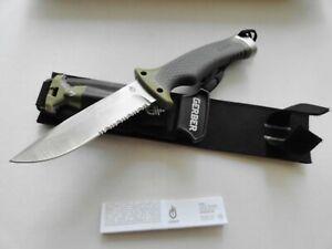 Gerber Ultimate Survival Knife w/sheath