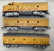 Athearn Union Pacific Blue Box F-7  A-B-B Set Powered A Unit Dummy B Units.