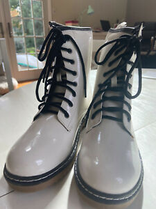 white patent Lug sole boots, NIB, Never Worn, doc Martin Style, Type Z martine 9