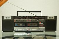 Toshiba RT-SX85 BomBeat Boombox Blaster Portable FM Stereo Radio Dual Tape RARE!