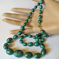 Vintage Green Iridescent Swirl Graduated Lucite Beaded Necklace HONG KONG NOS