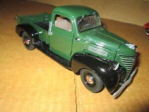 Danbury mint 1939 Plymouth   PICKUP TRUCK 1/24 loose display piece