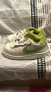 toddler nike terminator low white lime green size 7c