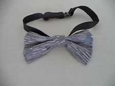 "Boy's Gray Unbranded Adjustable Bow Tie. 4"" X 2:"