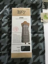 Houndstooth Silky Lightweight Salon Apron *Water & Chemical Resistant *4 Pockets