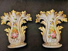 Paire d anciens Vases en Porcelaine de Paris , belle dorure