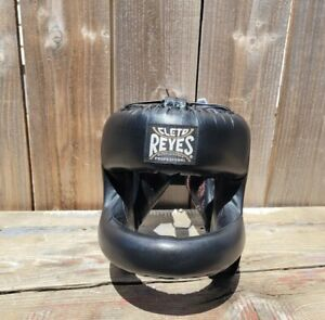 Cleto Reyes Redesigned Leather Boxing Headgear with Nylon Face Bar Black sz M