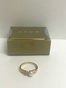Vintage New in Box AVON Freshwater Pearl & Crystal Ring Size 11