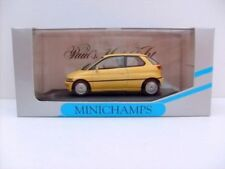 Voitures miniatures en plastique Mini