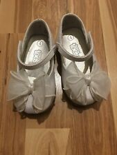 Baby Girl Teeney Toes White Dress Shoes Size 4