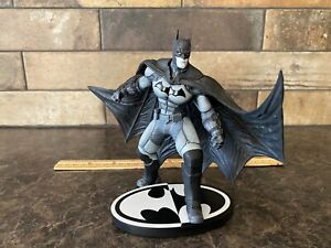 Batman Black & White Statue - Batman: Arkham Origins
