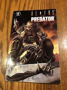 Aliens Versus Predator (VS.) Dark Horse Graphic Novel/TPB/comic (ship w/ Gemini)