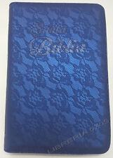 BIBLIA REINA VALERA 1960 CON INDICE Y CIERRE COLOR AZUL FLORAL