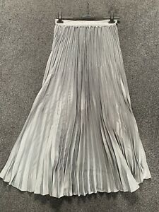 Shien Silver Extra Long Pleated Skirt. Size L  12).