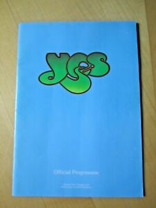 YES AT QUEENS PARK RANGERS PROGRAMME ON 10th MAY 1975 - VERY GOOD CONDITION
