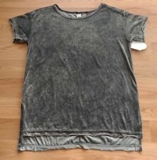 NWT Women's GREEN TEA Charcoal Short Sleeve Crushed Velvet Shirt Size Medium M